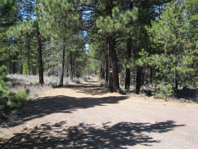 Old trail between Sunriver and Lava Butte